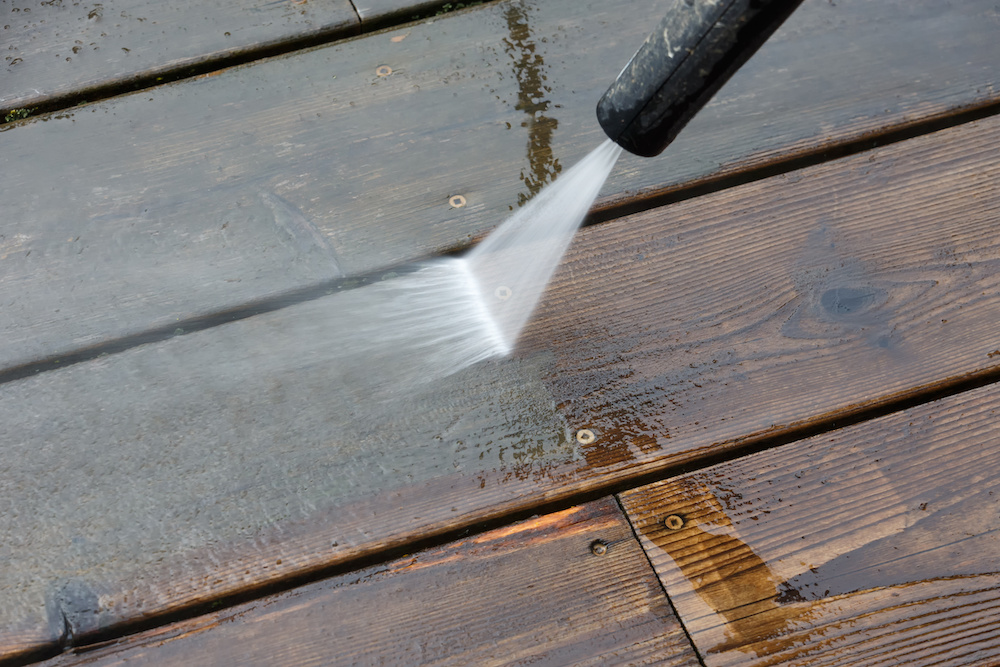 How To Power Wash a Deck The Right Way